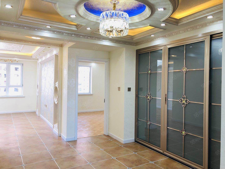 可贷款泰景山城105平欧式豪华精装地暖63.5万可贷款