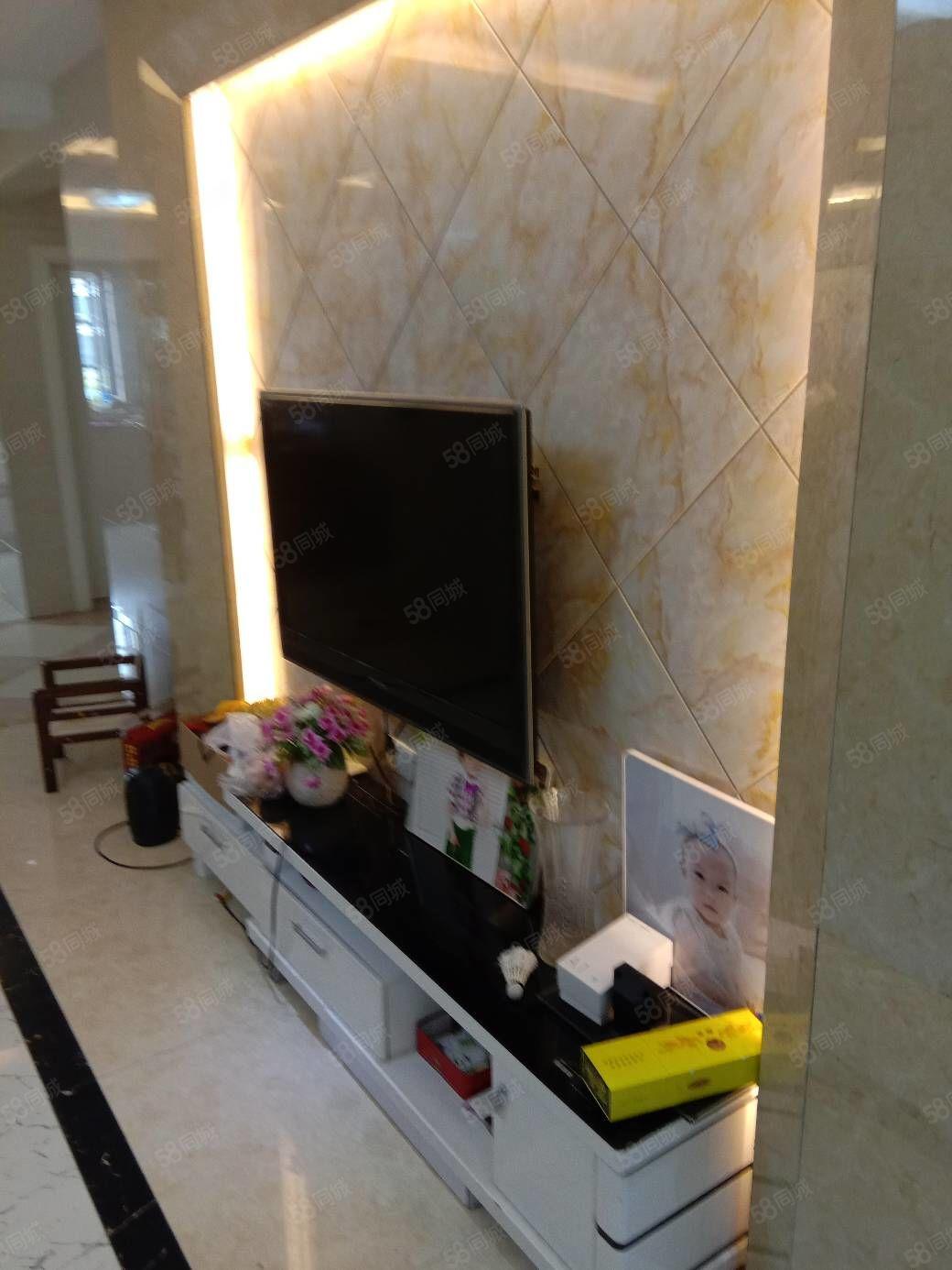 长江花城4期3楼110平方精装107万3室