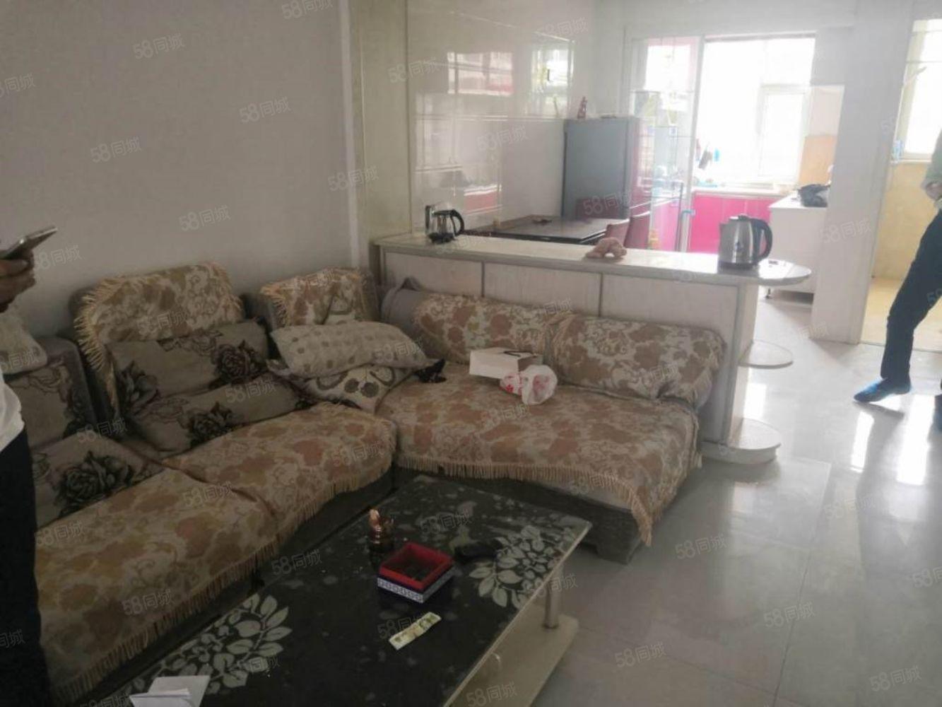 一高中旁精裝兩室有空調家具家電全包采暖物業