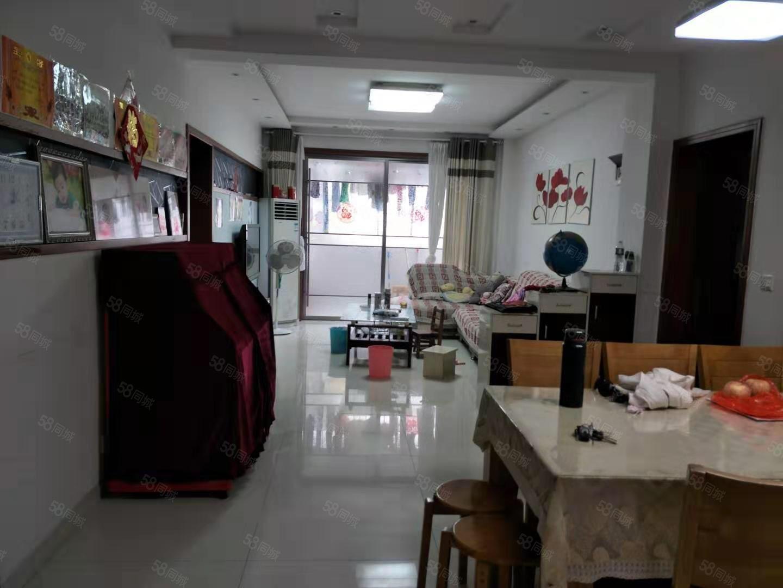 億龍旺角城4樓,精裝家具家電丟,證滿可按揭