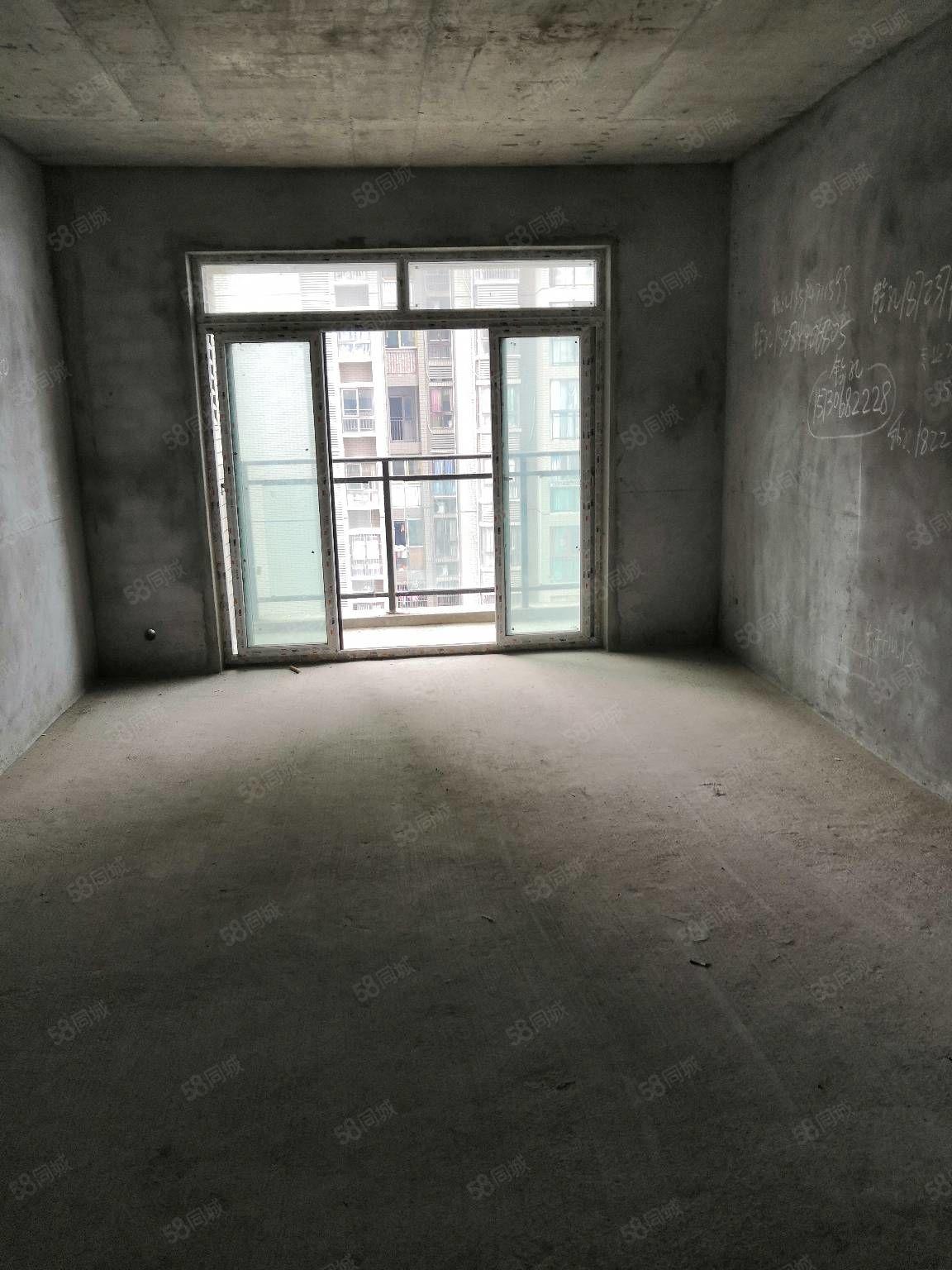 江淮房屋急卖!!三室两厅两卫一厨一阳台106平米