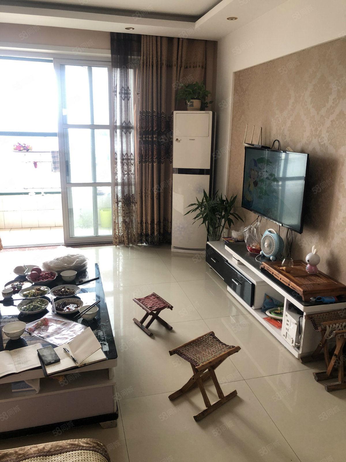 六中石油B区102平客厅通阳台2室2厅精装修好楼层