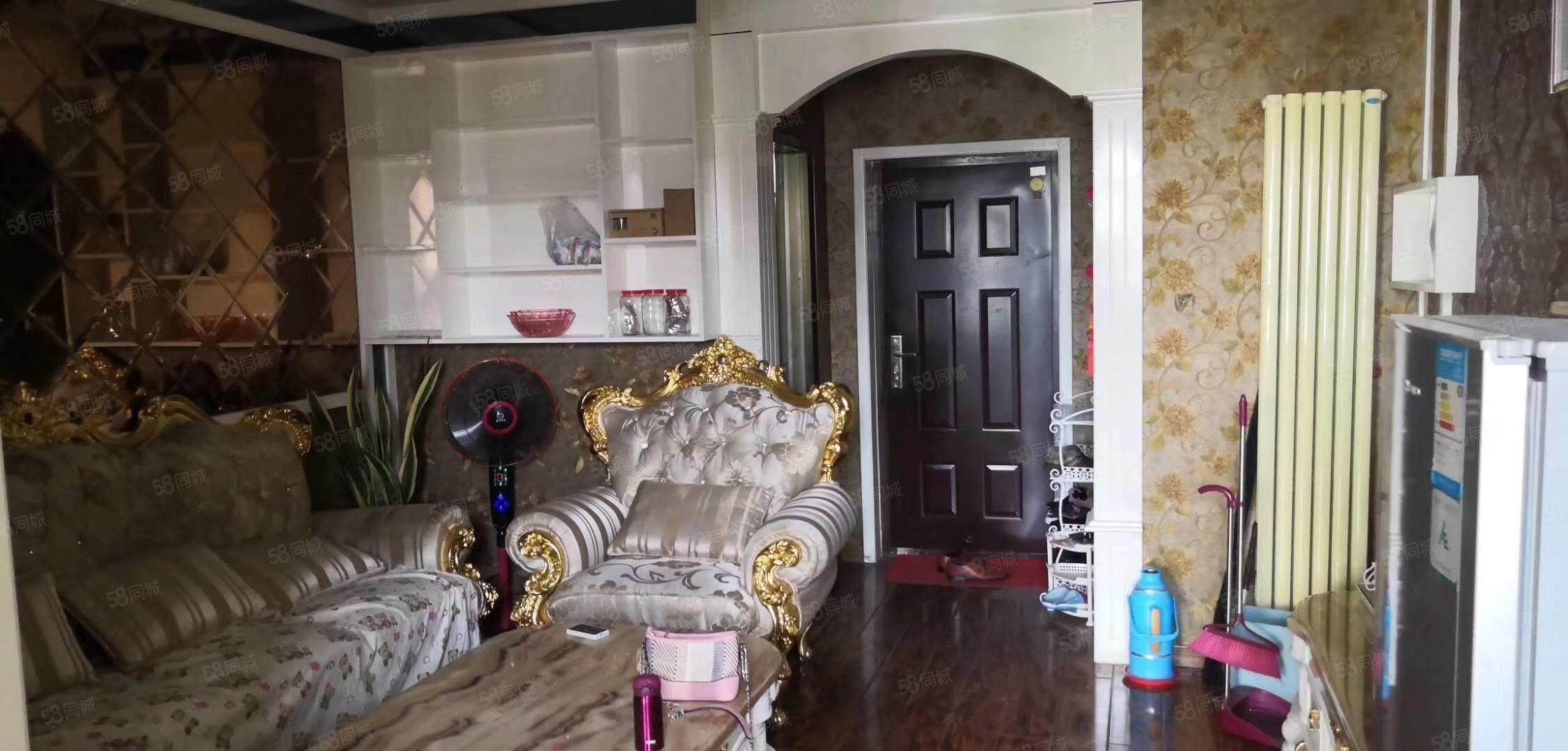 龍城知春小公寓,精裝修,帶家具家電,拎包入住,急售,可貸款