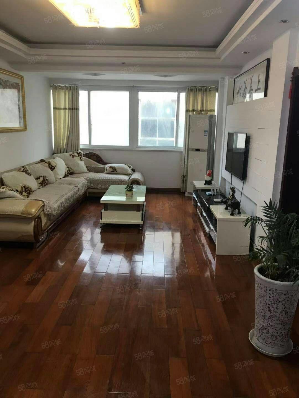 出售华信锦园二楼3房2厅1卫有车库售价89.8万。