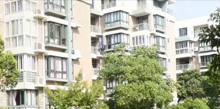 金昌公寓3楼03房15年精装