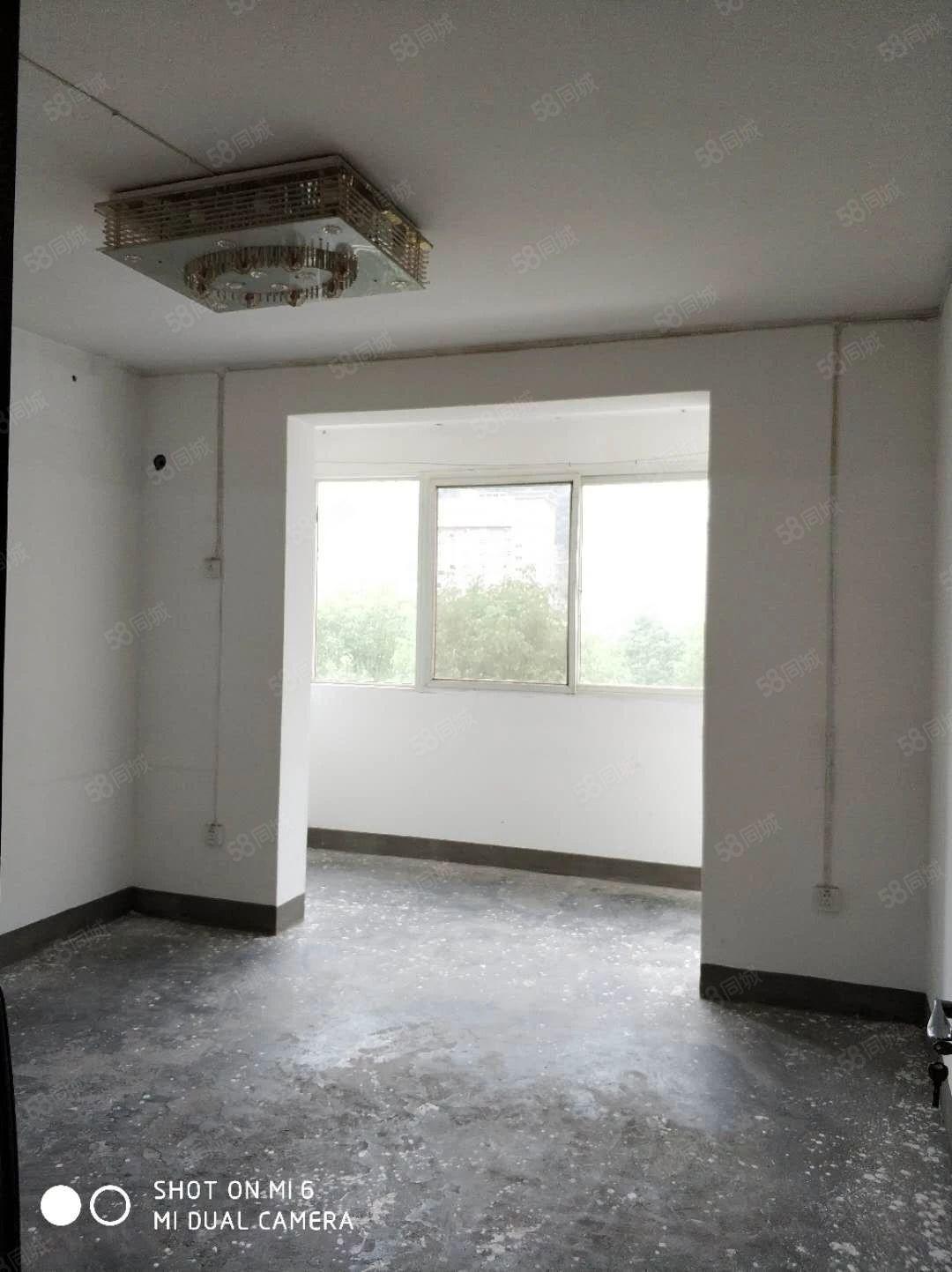 竹山/城西/妇幼保健旁/《万福楼》简装三室135平米随时过户