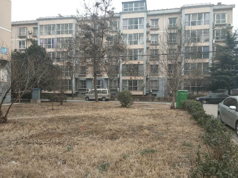 文昌花园3室2厅112平米毛坯双气有证37万