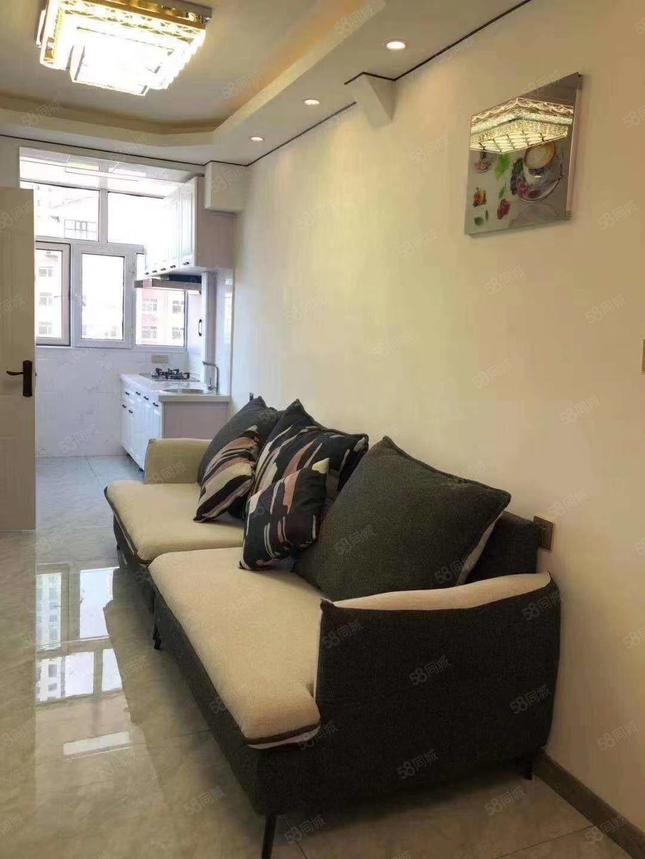 南山鑫苑4樓   51平南北通透北明廳精裝修,代全部品牌家具
