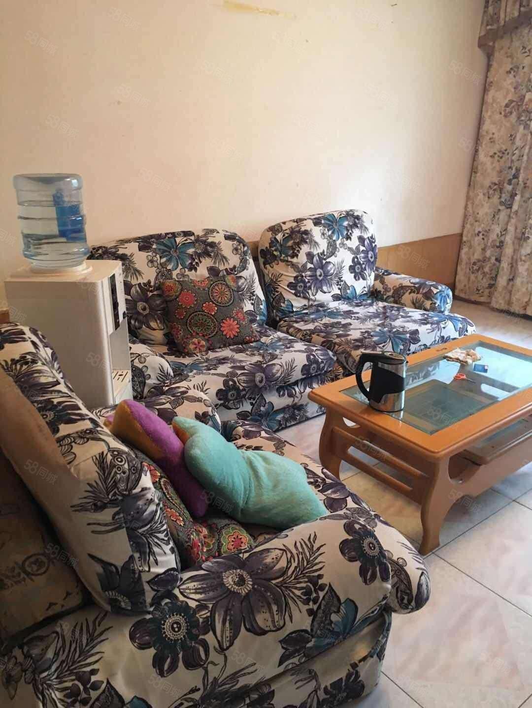 租龙园中学附近简装两室首次出租家具家电齐全拎包入住
