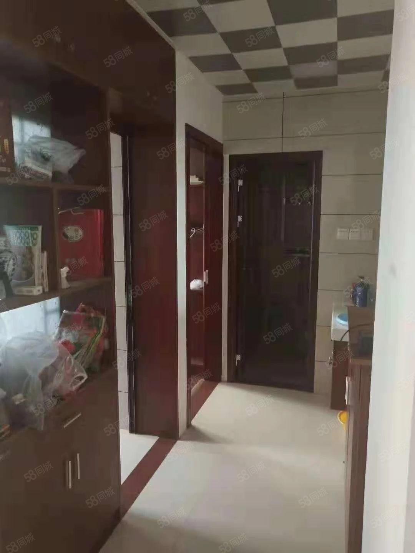 登凯豪庭电梯高层套房出售