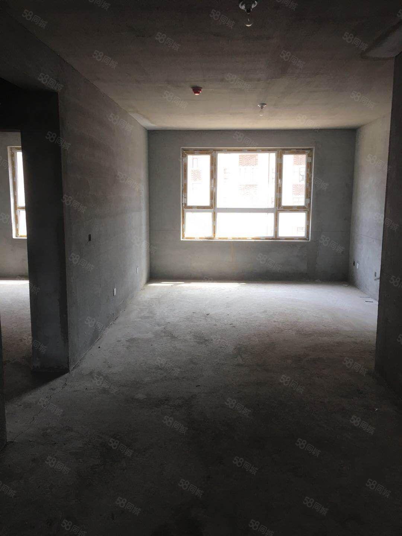 大禹城邦3楼江景十三中学区115.55平57万低首付一手