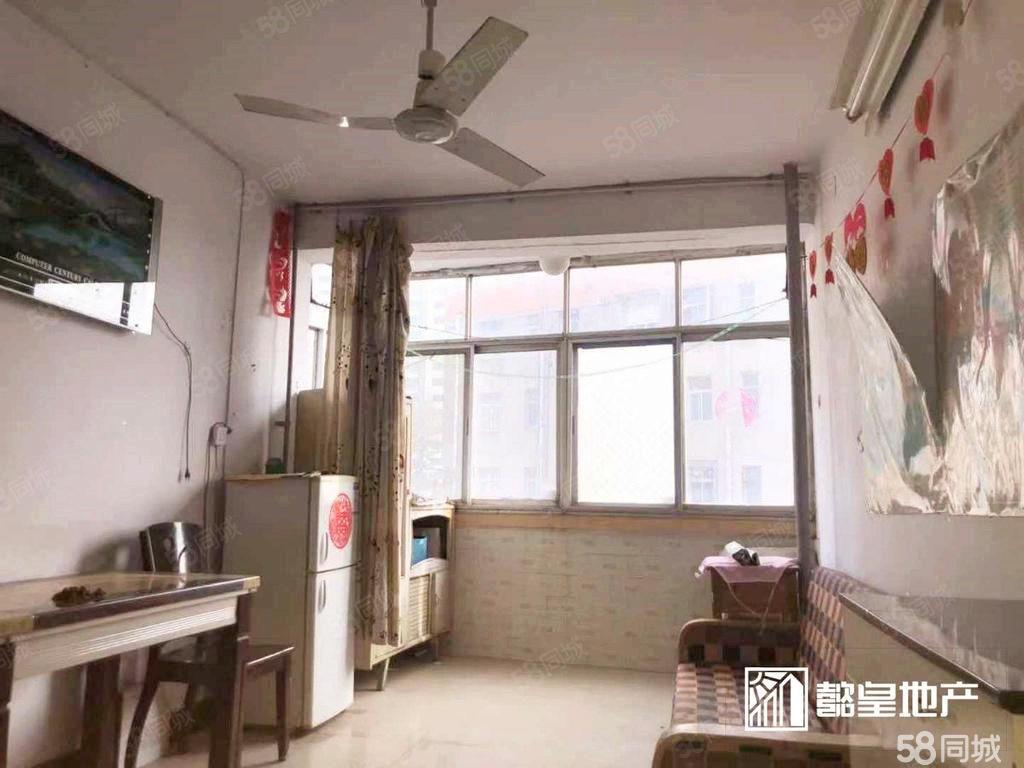 丽春路建行家属院精装两室家具家电齐全有燃气楼层低南北通透