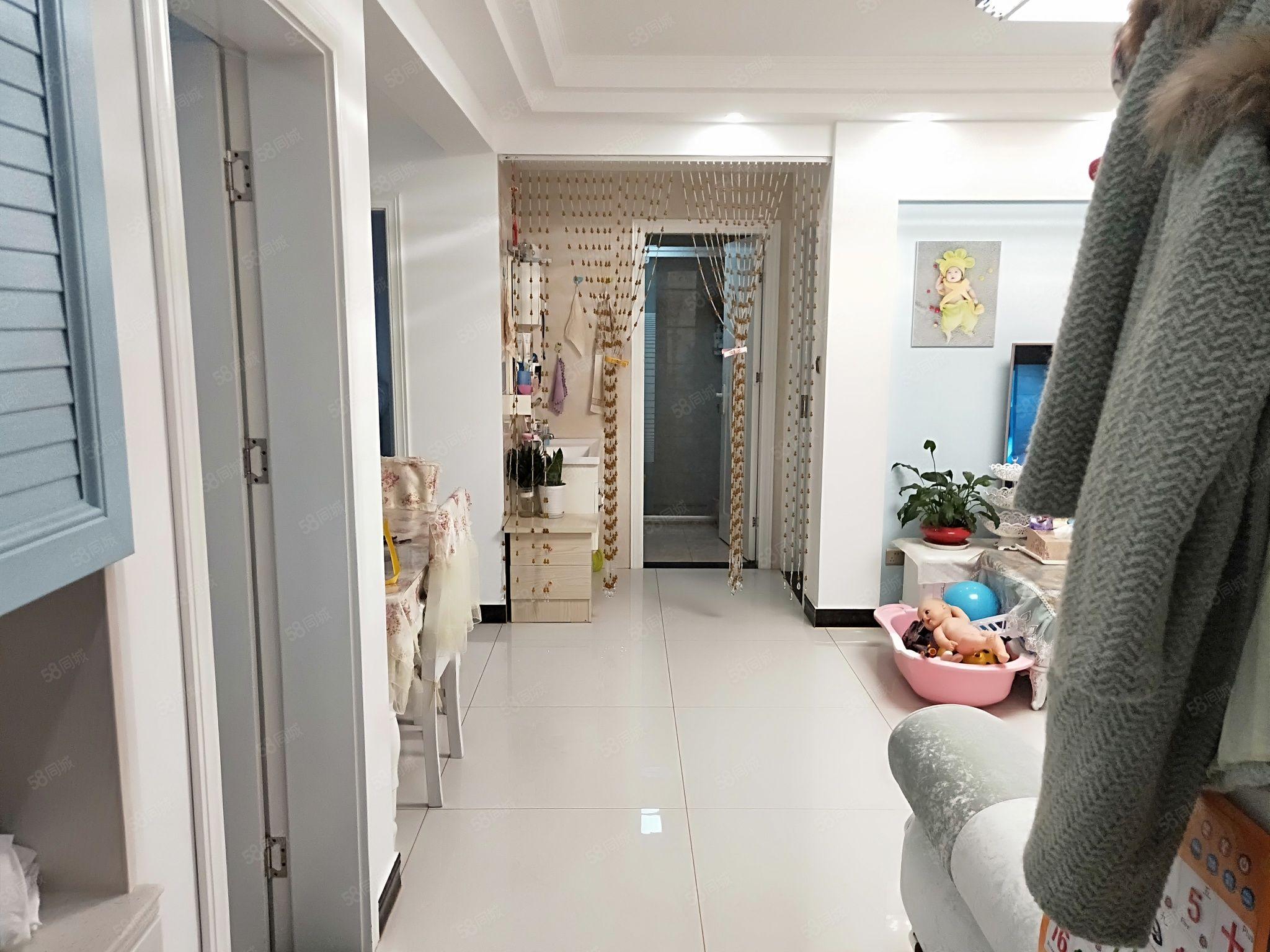 龙湖一号三房满两年金陵中小学小区环境优美安静舒适