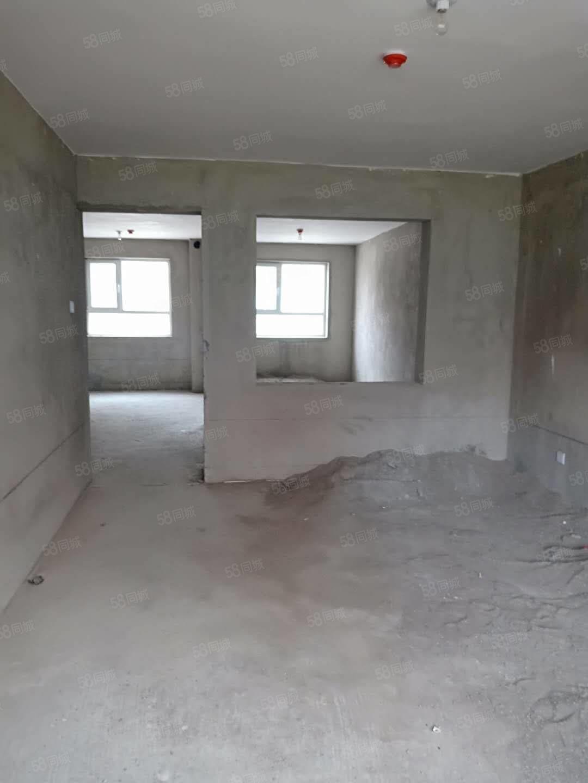 福泽华庭有88.16平米3室2厅,一楼毛坯首付12万