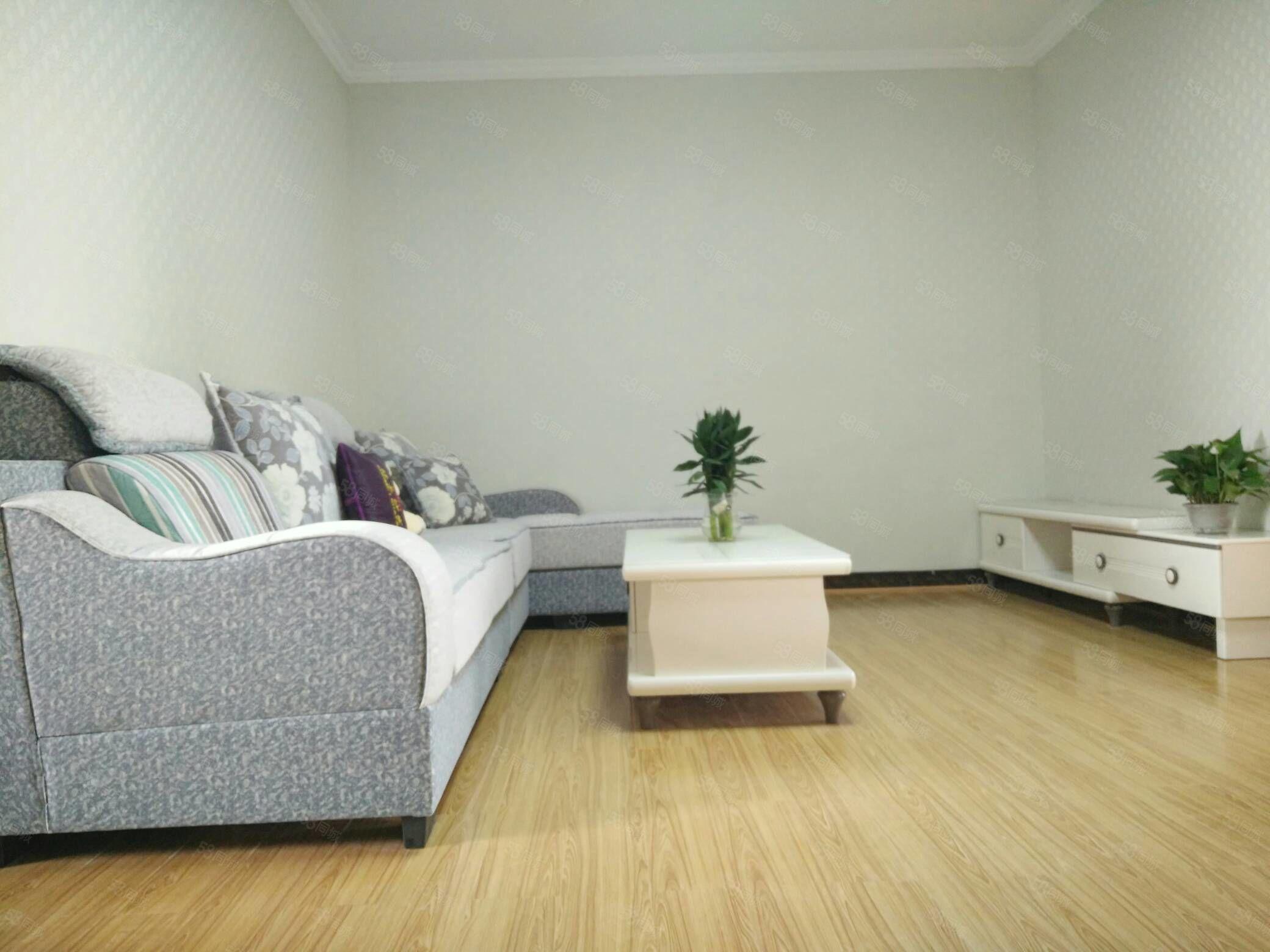西區兩室精裝,蓮峰公園對面好地段