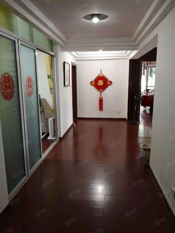 鑫业花园大三房(可改4房)车库+杂物间