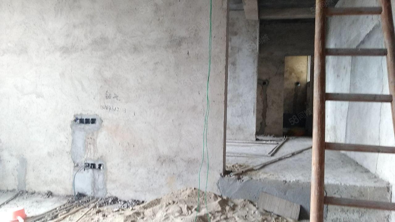泸州小学官园中学家和居楼梯房复式楼,毛坯5房产证在手白菜价甩
