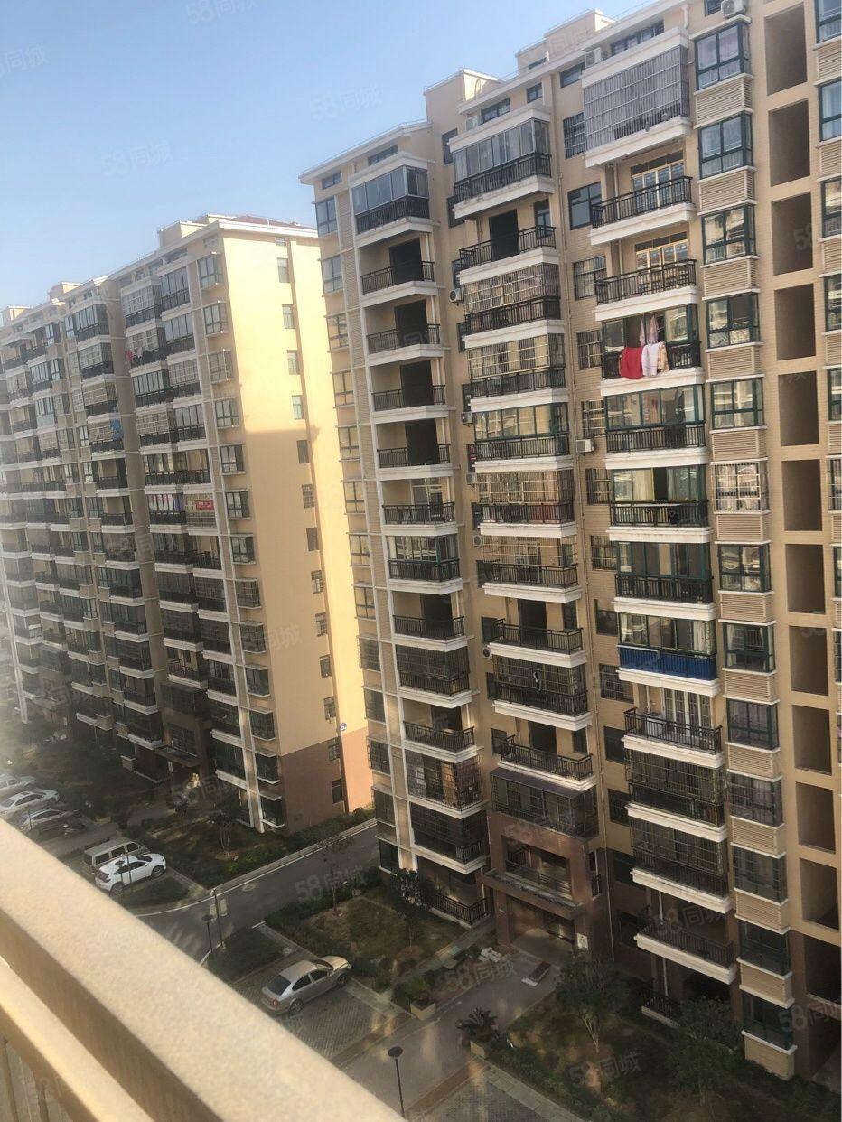每个房都有阳光,全透亮,东谷中鑫城,南北通透。44万