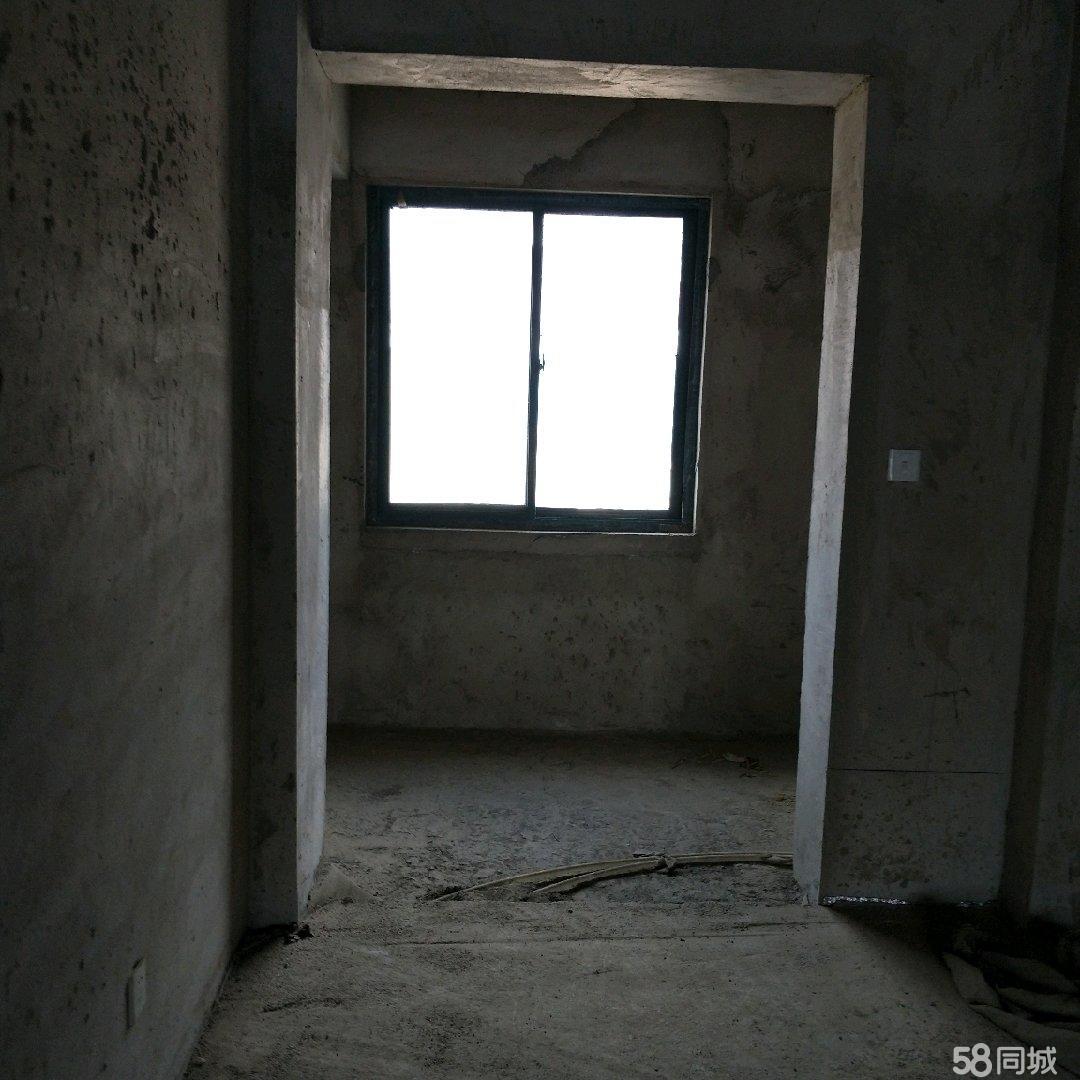 宁远花苑(大移动公司对面)三室两厅毛胚房转让