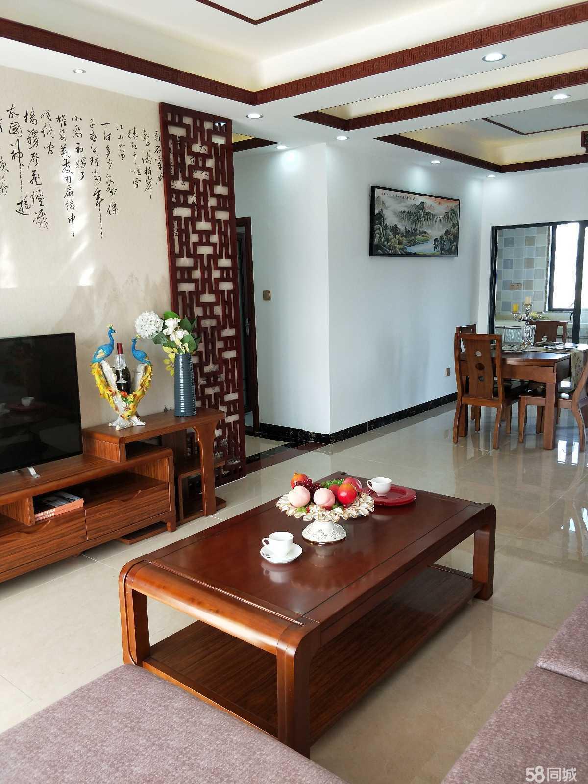 东方市区精装修70年产权小区房3室2厅2卫102平米