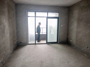 �W区东方今典E区三室可按揭电梯中层通透户型格局正