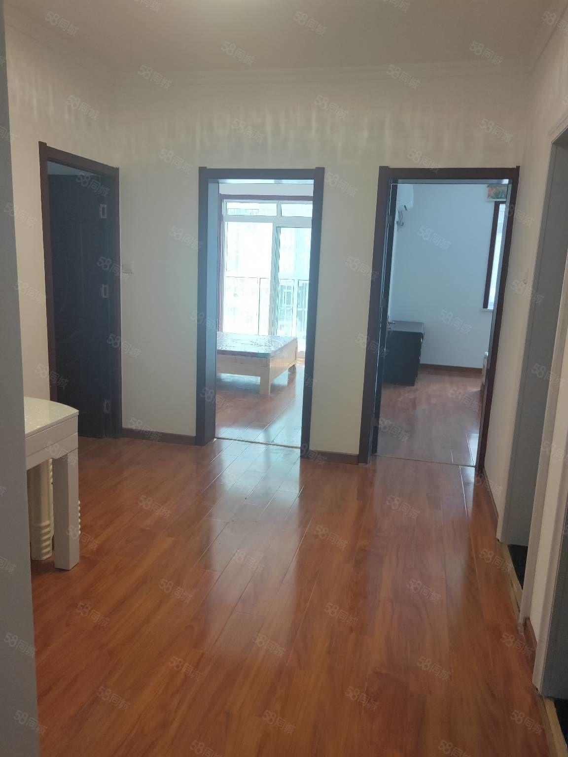 林楼小区精装全配.拎包入住3室1厅环境好看房方便