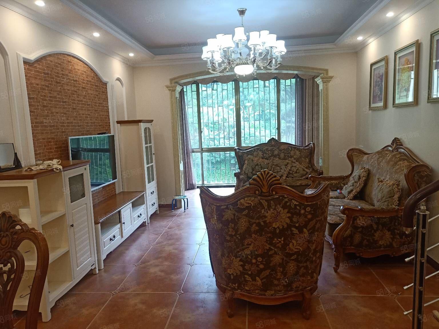 豪华5室急售,金月湾品质小区实际使用面积140左右
