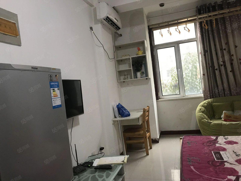 奥?#21482;?#22253;公寓可短租家具家电齐全拎包入住万达旁
