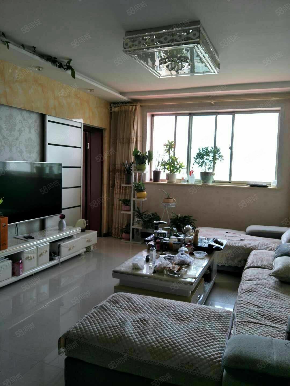 市政廣場附近百安小區三室兩廳精裝修地暖房經典戶型33.8萬