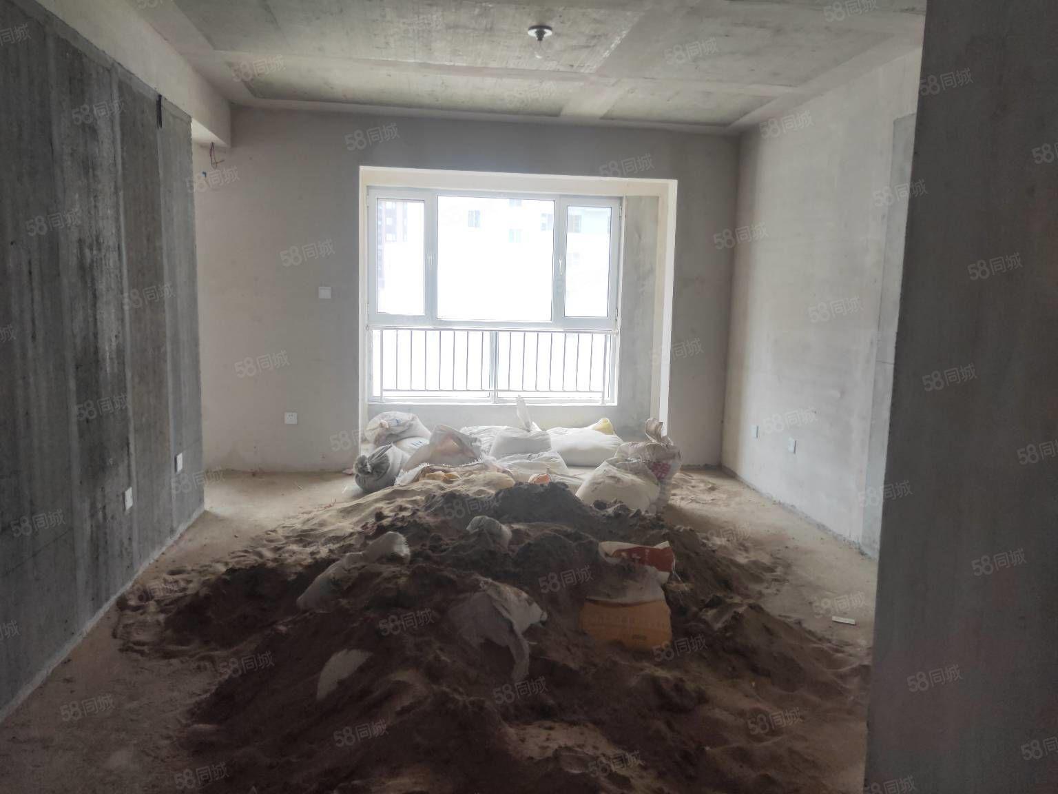 東湖名苑南北通透把頭房三居室視野開闊