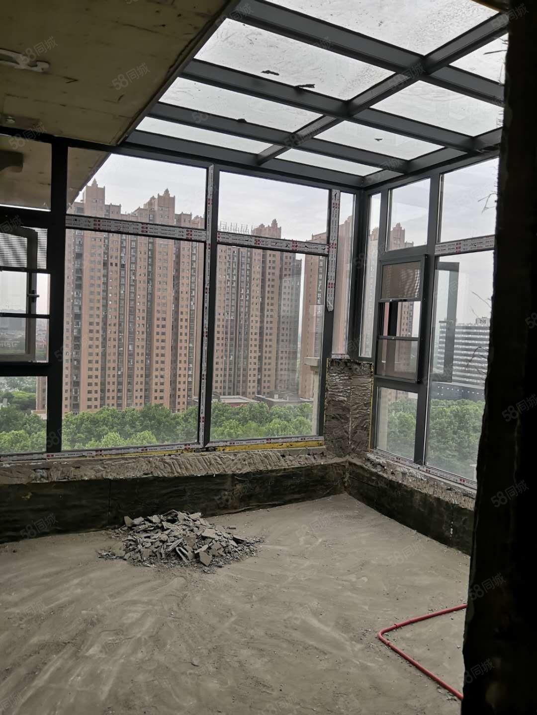 天翼塞纳春天顶楼复式实验中学片区房中央空调户型方正看房方便