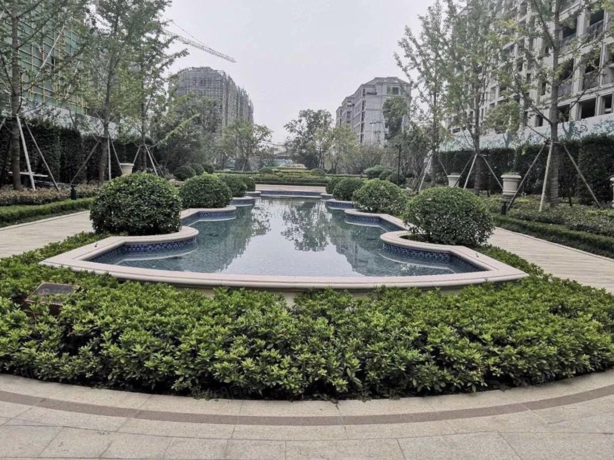 急卖绿城兰园一楼带院:稀.缺房源仅此一套而且可以走一手