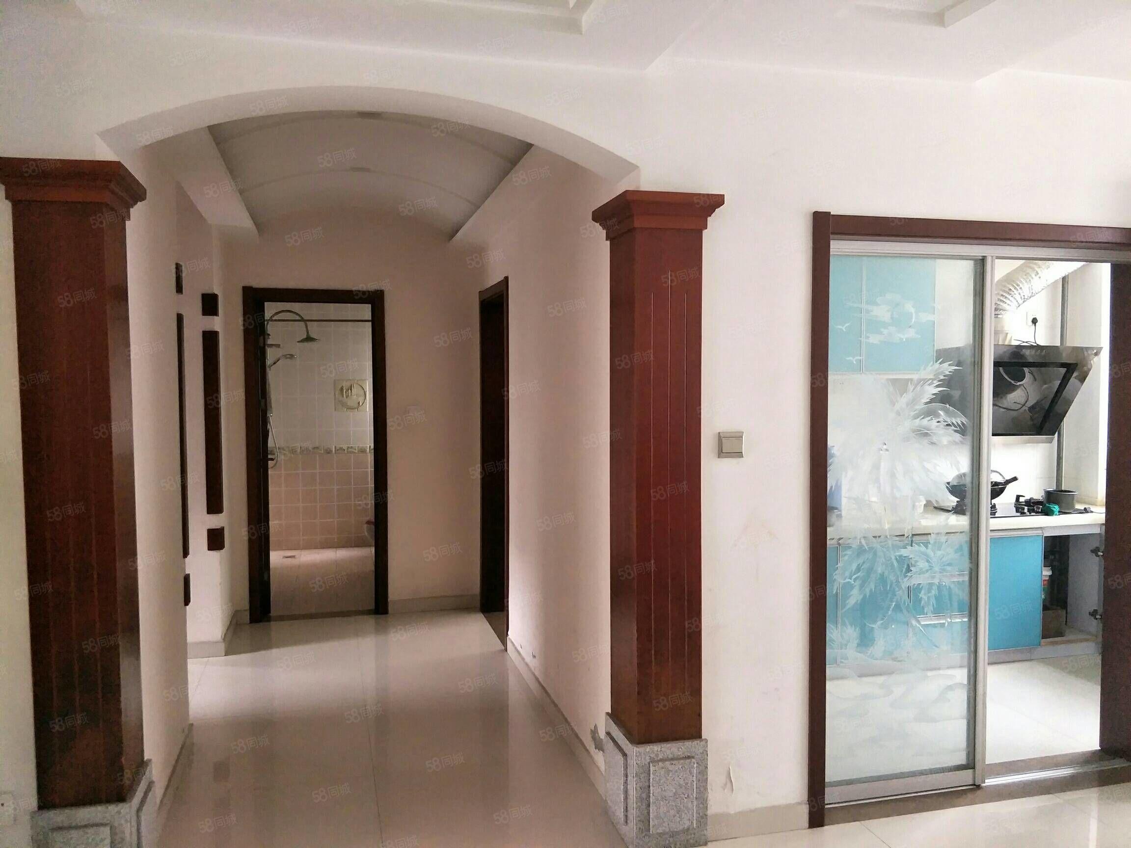 水岸江南三室兩廳2樓105平米精裝96萬