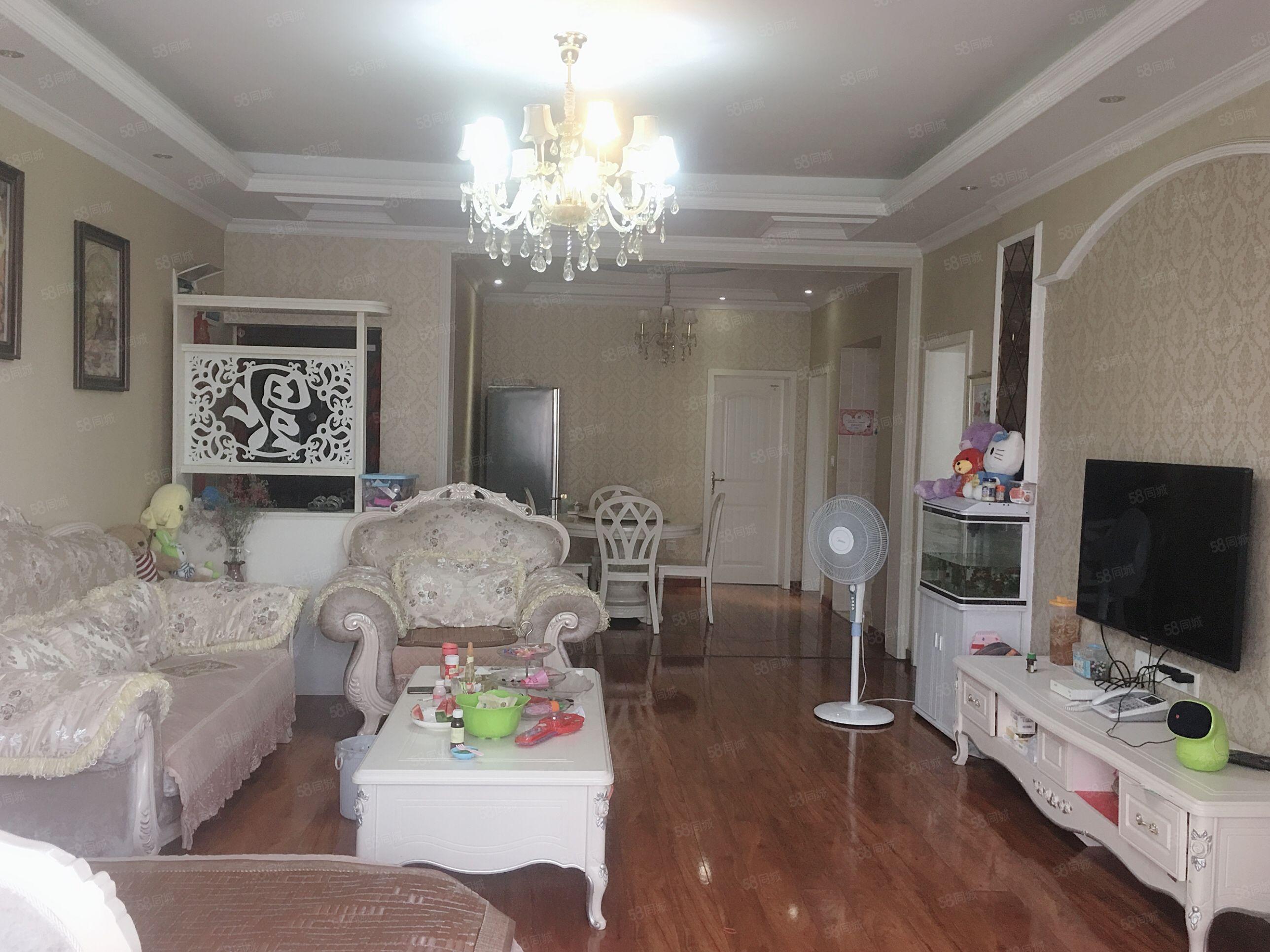 康桥半岛步梯中间层全实木地板婚房出售