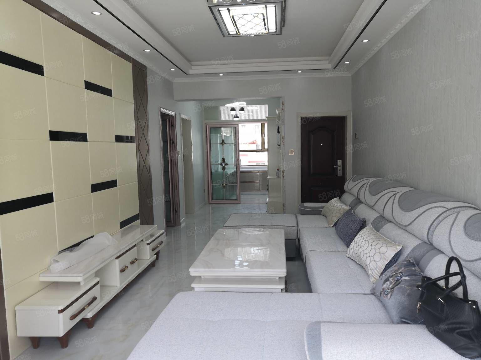 東關二校附近3樓兩室兩廳精裝地暖,直通結構,樓層佳采光好