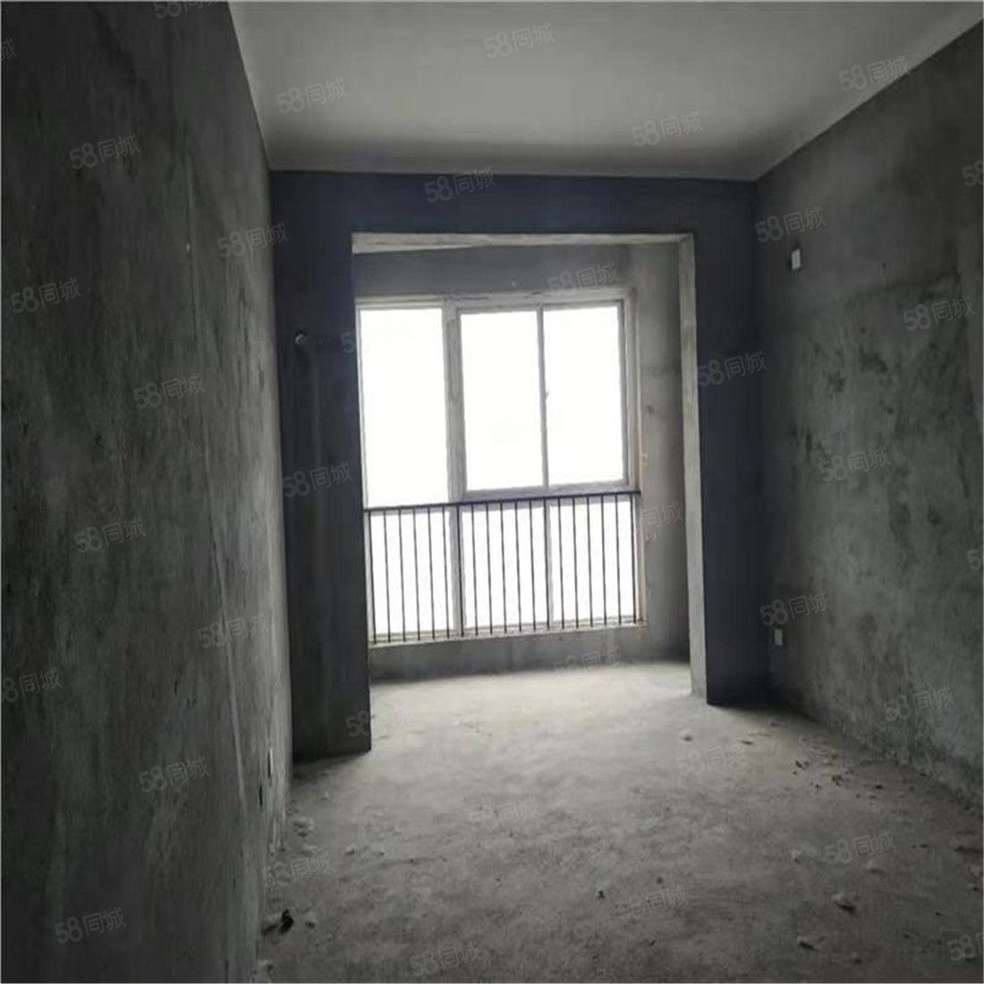 香榭丽舍南广场实验学校附近楼王毛坯大三房有证税满可按揭