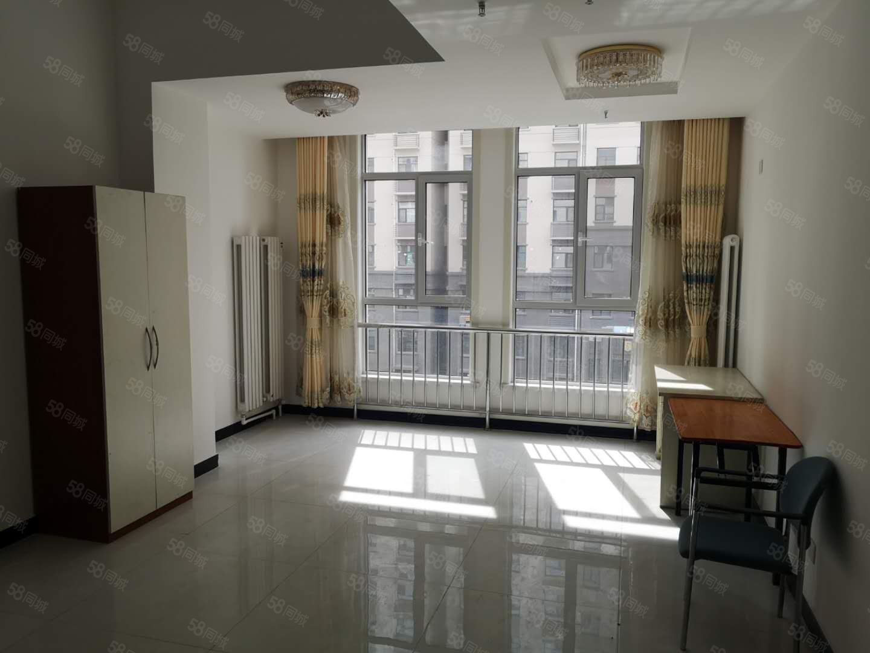 出租�m�D格林���H�f��公寓一居�S�r看房