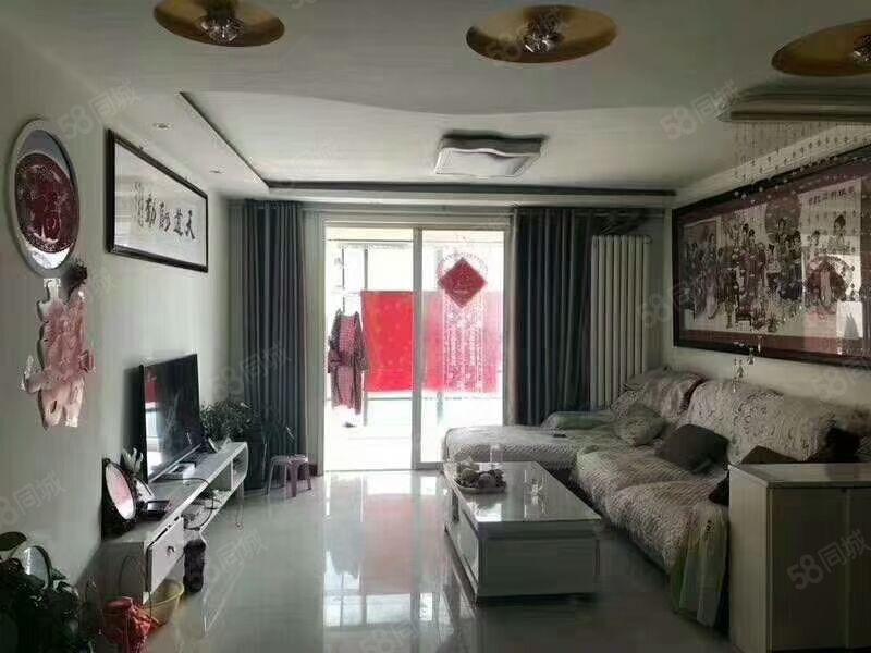 出售杭州湾5楼86平,2室2厅1卫,精装修,有储。