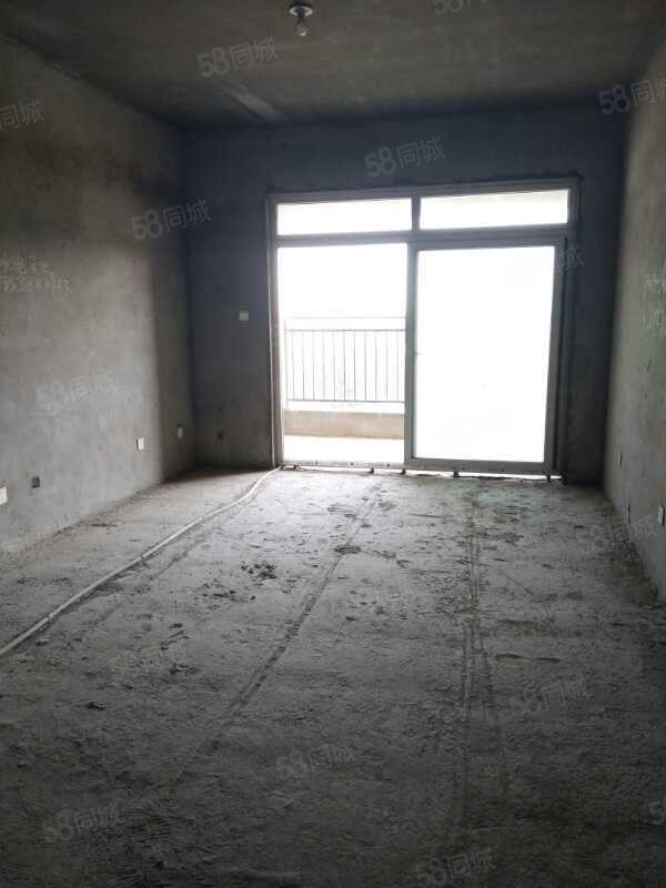 升禾寬世界3室2廳1衛,毛坯房,戶型方正,有證可按揭。
