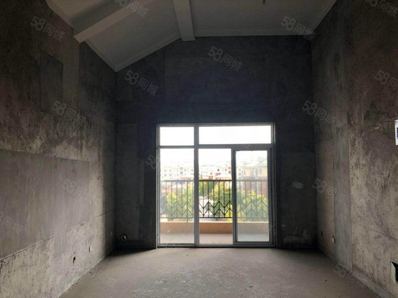 南湖雅苑北区商品房14万送储藏间送露台有证可贷款