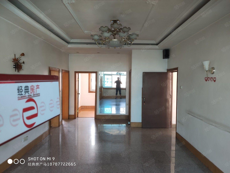 人民路玉溪饭店虽顶楼对得起价格才49万购买三室