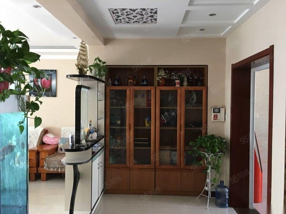 优山美地电梯房精装带家具家电3楼140平带车库39平118万