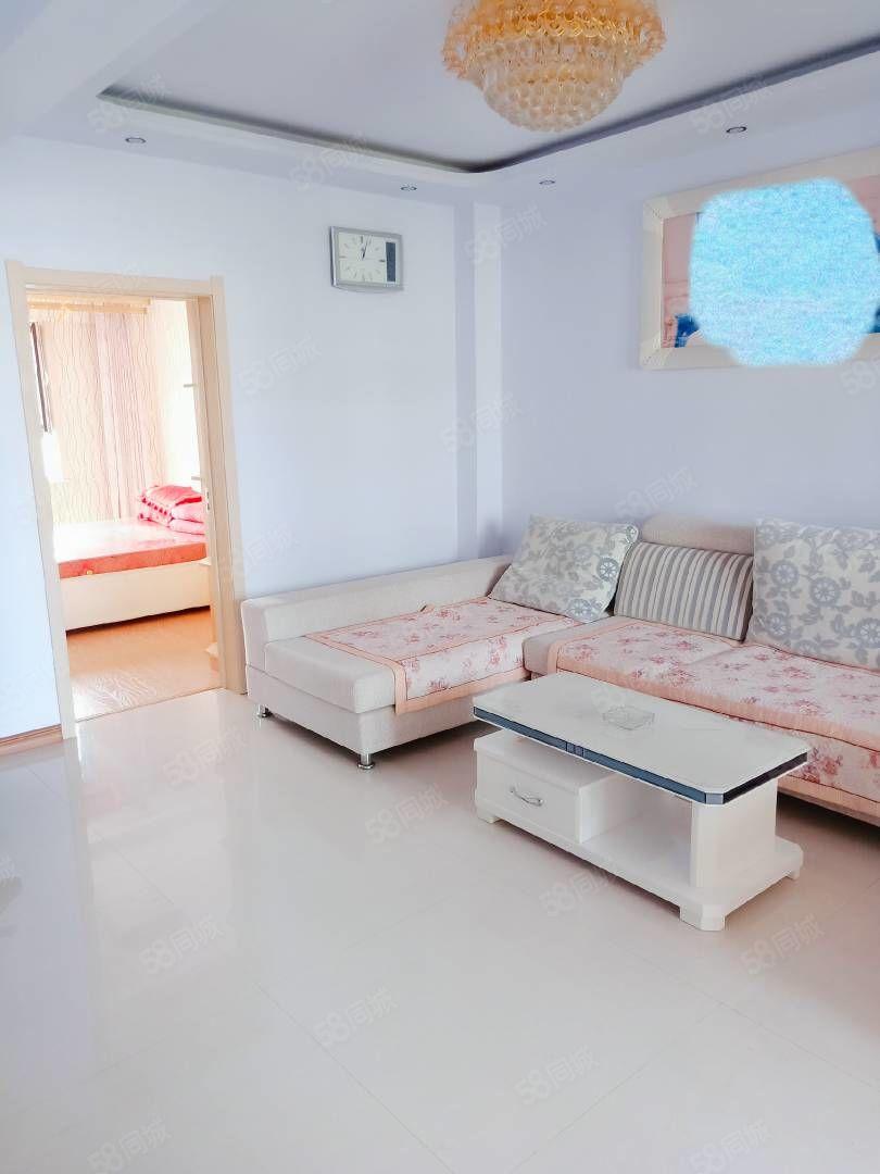 醫閭江南前排電梯6樓兩室一廳精裝修家具家電齊全特別適合婚房