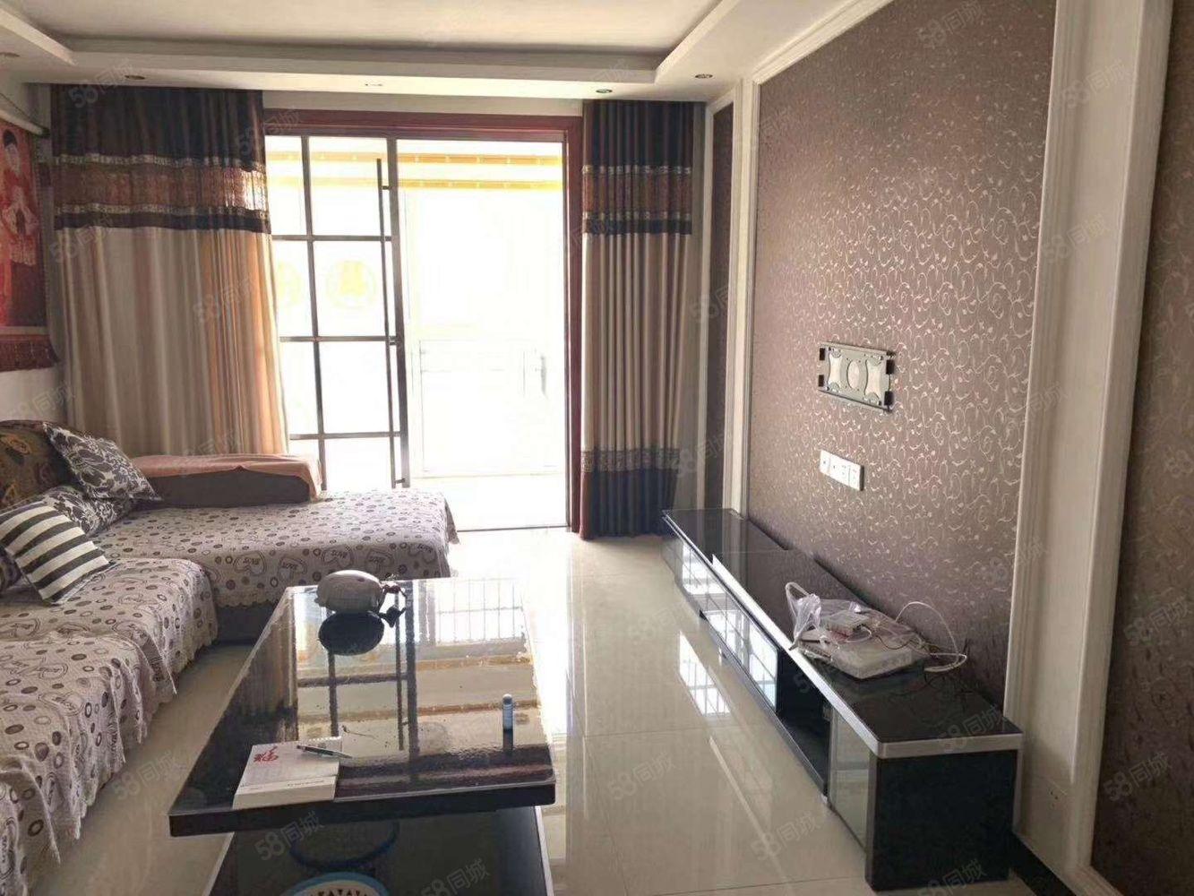 平安路郑煤小区,精装三室,售价56万