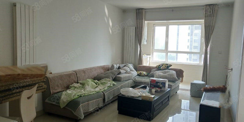 鲁商凤凰城精装两室带家具送车位老证可按揭仅此一套拎包入住