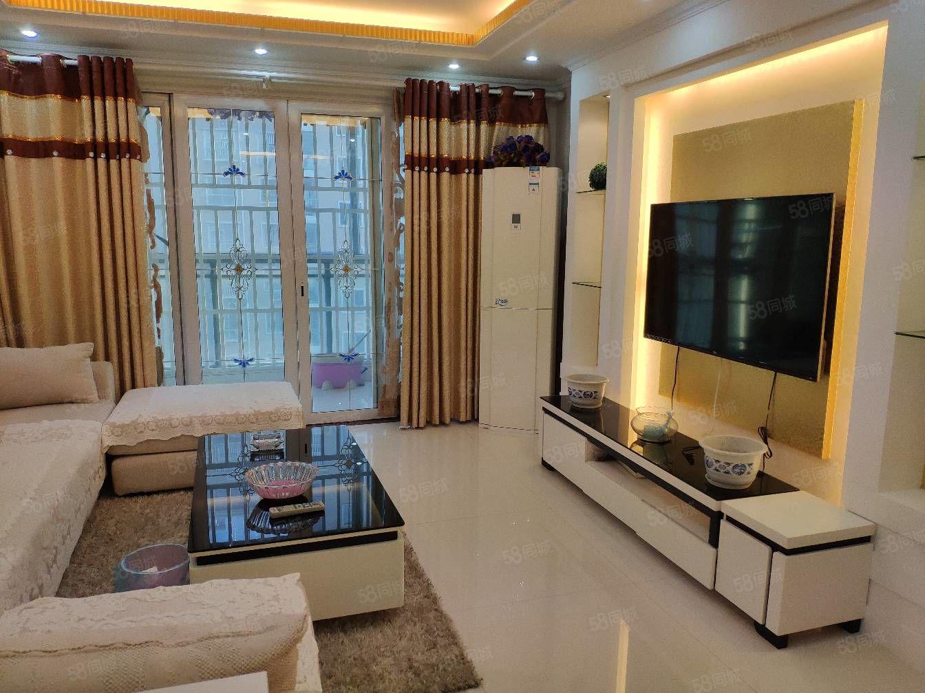 长江花城2期2楼4室2厅2卫精装修2500元月