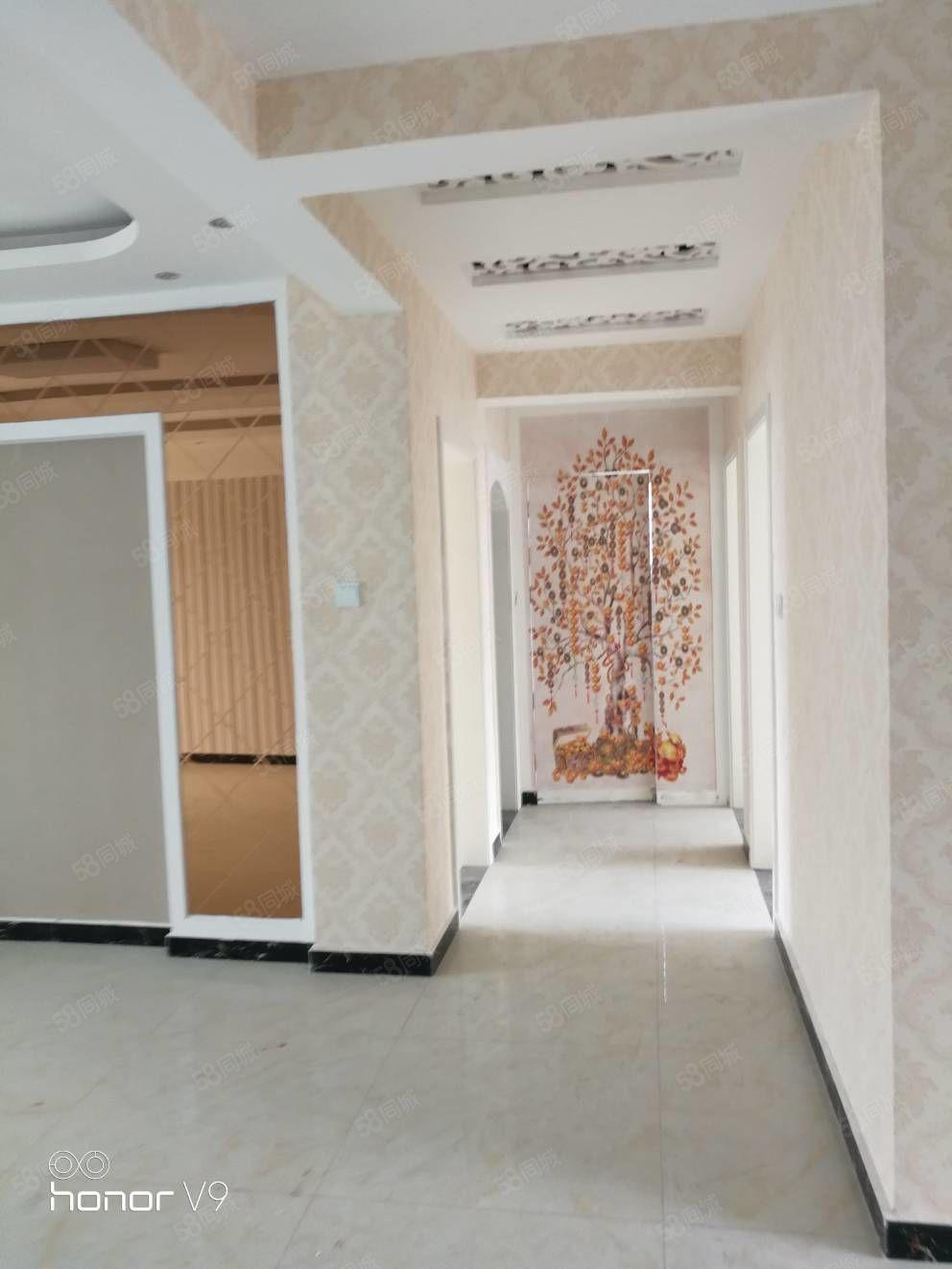 便宜10万福临城精装修未住五室三厅两位双入户门带储藏室买一赠