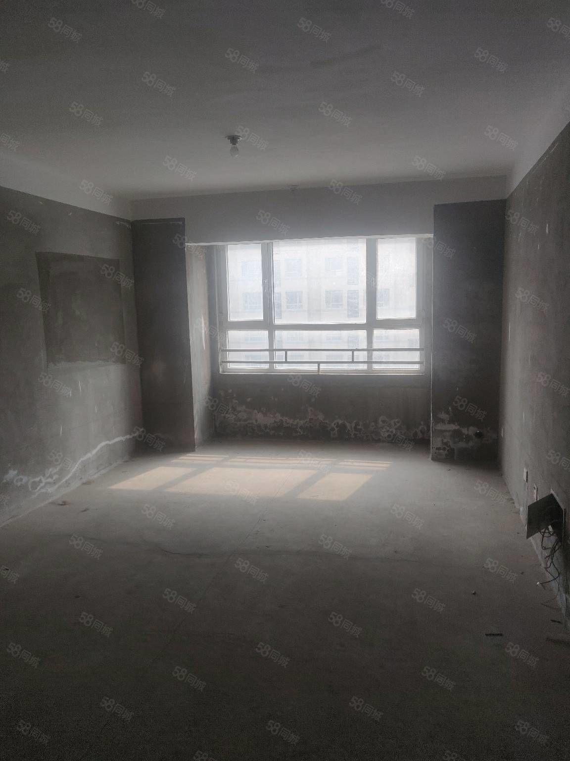 急售御山河电梯洋房好户型好楼层,有证可随时过户