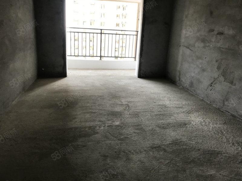 全力陽光城4樓毛坯房東邊戶3室2廳全明戶型停車方便