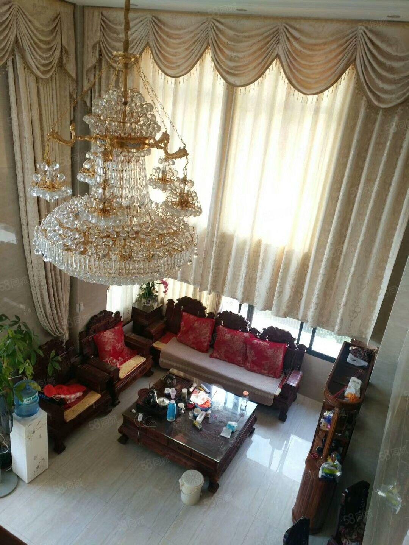 帝豪楼中楼出售,两证齐全,豪华装修可拎包入住。